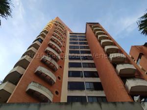 Apartamento En Ventaen Valencia, La Trigaleña, Venezuela, VE RAH: 20-23995