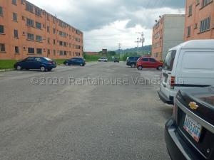 Apartamento En Ventaen Municipio San Diego, Monteserino, Venezuela, VE RAH: 20-24002