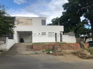 Casa En Ventaen Caracas, El Cafetal, Venezuela, VE RAH: 20-21928