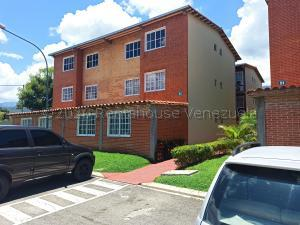 Apartamento En Ventaen Guatire, Alto Grande, Venezuela, VE RAH: 20-24077