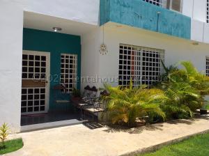 Townhouse En Ventaen Coro, Centro, Venezuela, VE RAH: 20-24043