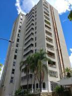 Apartamento En Ventaen Caracas, Lomas De Prados Del Este, Venezuela, VE RAH: 21-297