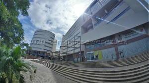 Oficina En Ventaen Valencia, Valles De Camoruco, Venezuela, VE RAH: 20-24055