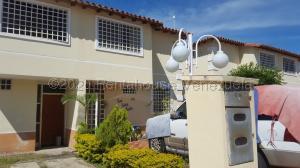 Townhouse En Ventaen Guatire, Villas De Buenaventura, Venezuela, VE RAH: 20-24050