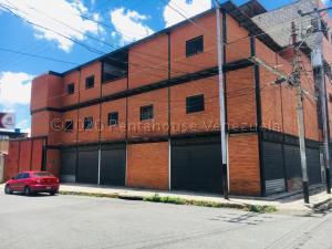 Edificio En Ventaen Barquisimeto, Parroquia Concepcion, Venezuela, VE RAH: 20-24066