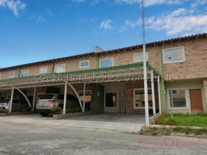 Townhouse En Ventaen La Morita, Karol Home Ii, Venezuela, VE RAH: 20-24069
