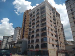Apartamento En Ventaen Maracay, Los Caobos, Venezuela, VE RAH: 20-24099