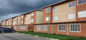 Apartamento En Ventaen Guatire, Alto Grande, Venezuela, VE RAH: 20-24109