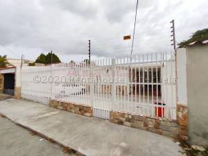 Casa En Ventaen Maracay, San Miguel, Venezuela, VE RAH: 20-24104