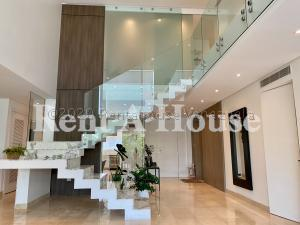 Casa En Ventaen Maracaibo, Avenida El Milagro, Venezuela, VE RAH: 20-24142