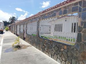 Casa En Ventaen Palo Negro, El Orticeño, Venezuela, VE RAH: 20-24164
