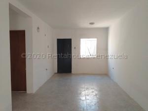 Casa En Ventaen Coro, Sector Independencia, Venezuela, VE RAH: 20-24185