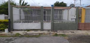 Casa En Ventaen Cabudare, El Paraiso, Venezuela, VE RAH: 20-24206