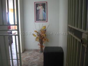 Apartamento En Ventaen Coro, Sector Bobare, Venezuela, VE RAH: 20-24250