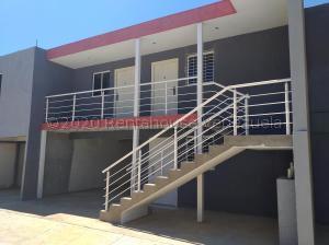 Apartamento En Ventaen Coro, Centro, Venezuela, VE RAH: 20-24276