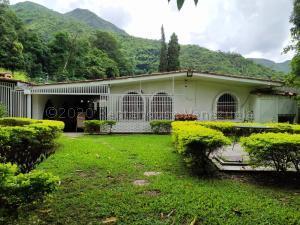 Casa En Ventaen Maracay, El Castaño (Zona Privada), Venezuela, VE RAH: 20-18843