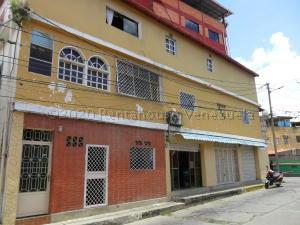 Apartamento En Ventaen Parroquia Carayaca, El Pozo, Venezuela, VE RAH: 20-24273