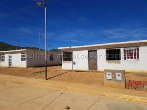 Casa En Ventaen Coro, Las Eugenias, Venezuela, VE RAH: 20-24362