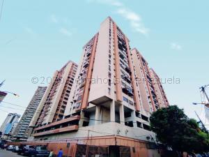 Apartamento En Ventaen Maracay, Zona Centro, Venezuela, VE RAH: 20-24339