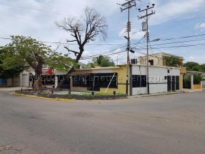 Local Comercial En Ventaen Coro, Sector Bobare, Venezuela, VE RAH: 20-24359