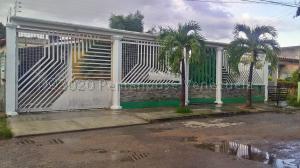 Casa En Ventaen Guacara, Ciudad Alianza, Venezuela, VE RAH: 20-24644