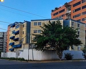 Apartamento En Ventaen Catia La Mar, Playa Grande, Venezuela, VE RAH: 20-24377