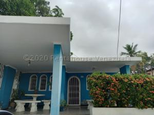 Casa En Ventaen Maracaibo, Santa Maria, Venezuela, VE RAH: 20-24389