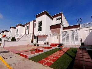 Casa En Alquileren Cabudare, Parroquia José Gregorio, Venezuela, VE RAH: 20-24435