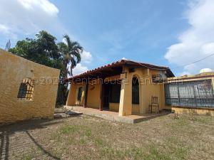 Casa En Ventaen Valencia, Parque Valencia, Venezuela, VE RAH: 20-24457