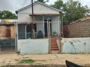 Casa En Ventaen Maracaibo, Santa Maria, Venezuela, VE RAH: 20-24471