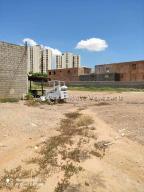 Terreno En Ventaen Maracaibo, Circunvalacion Uno, Venezuela, VE RAH: 20-24538