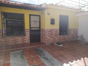 Casa En Ventaen Municipio San Diego, La Esmeralda, Venezuela, VE RAH: 20-24541