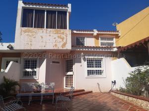 Townhouse En Ventaen Maracaibo, Santa Fe, Venezuela, VE RAH: 20-24549