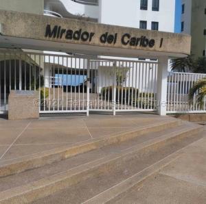 Apartamento En Ventaen Parroquia Caraballeda, La Llanada, Venezuela, VE RAH: 21-41