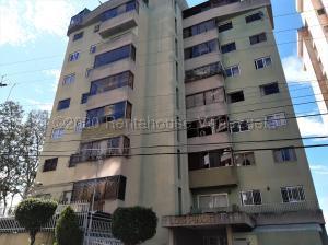 Apartamento En Ventaen San Antonio De Los Altos, El Picacho, Venezuela, VE RAH: 20-24609