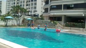 Apartamento En Alquileren Parroquia Caraballeda, Los Corales, Venezuela, VE RAH: 20-24619