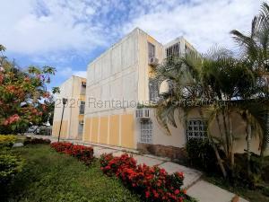 Apartamento En Ventaen Barquisimeto, Parroquia Santa Rosa, Venezuela, VE RAH: 20-24658