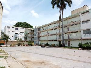 Apartamento En Ventaen Valencia, La Isabelica, Venezuela, VE RAH: 20-24714