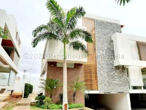 Townhouse En Ventaen Maracaibo, Virginia, Venezuela, VE RAH: 20-25046