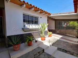 Casa En Ventaen Cabudare, Parroquia José Gregorio, Venezuela, VE RAH: 20-24757
