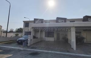 Casa En Ventaen Cabudare, Villas Del Golf Plaza, Venezuela, VE RAH: 20-24773