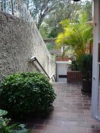 Casa En Ventaen Caracas, Los Naranjos Del Cafetal, Venezuela, VE RAH: 20-24781