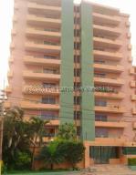 Apartamento En Ventaen Lecheria, Venecia, Venezuela, VE RAH: 20-24783