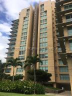 Apartamento En Ventaen Caracas, Campo Alegre, Venezuela, VE RAH: 20-24823