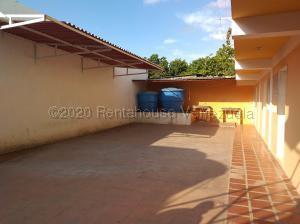 Casa En Ventaen Coro, Sector Bobare, Venezuela, VE RAH: 20-24826