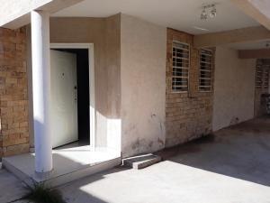 Townhouse En Alquileren Cabimas, Nueva Delicias, Venezuela, VE RAH: 20-24903