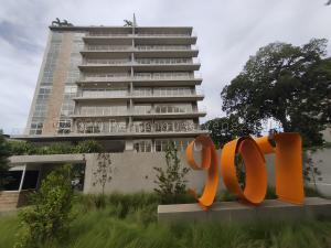 Apartamento En Ventaen Caracas, Country Club, Venezuela, VE RAH: 20-24946