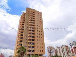 Apartamento En Ventaen Maracaibo, Avenida El Milagro, Venezuela, VE RAH: 20-24975