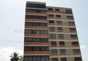 Apartamento En Alquileren Maracaibo, Avenida El Milagro, Venezuela, VE RAH: 20-24986