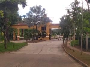 Casa En Ventaen Valencia, Lomas Del Country, Venezuela, VE RAH: 20-25179